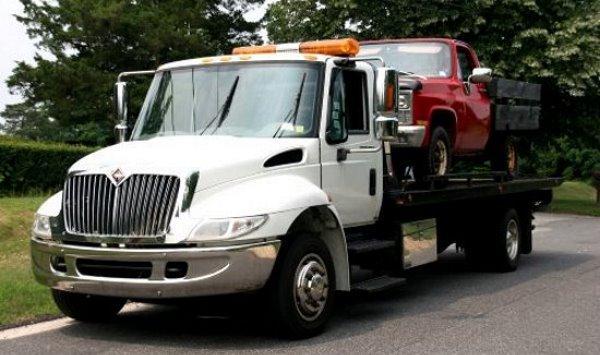 Flatbed Tow Truck Service Hattiesburg MS